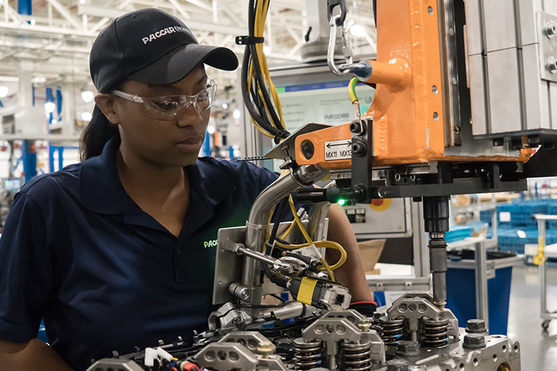 Engine-Assembly-Worker-Paccar-Columbus-Factory.jpg