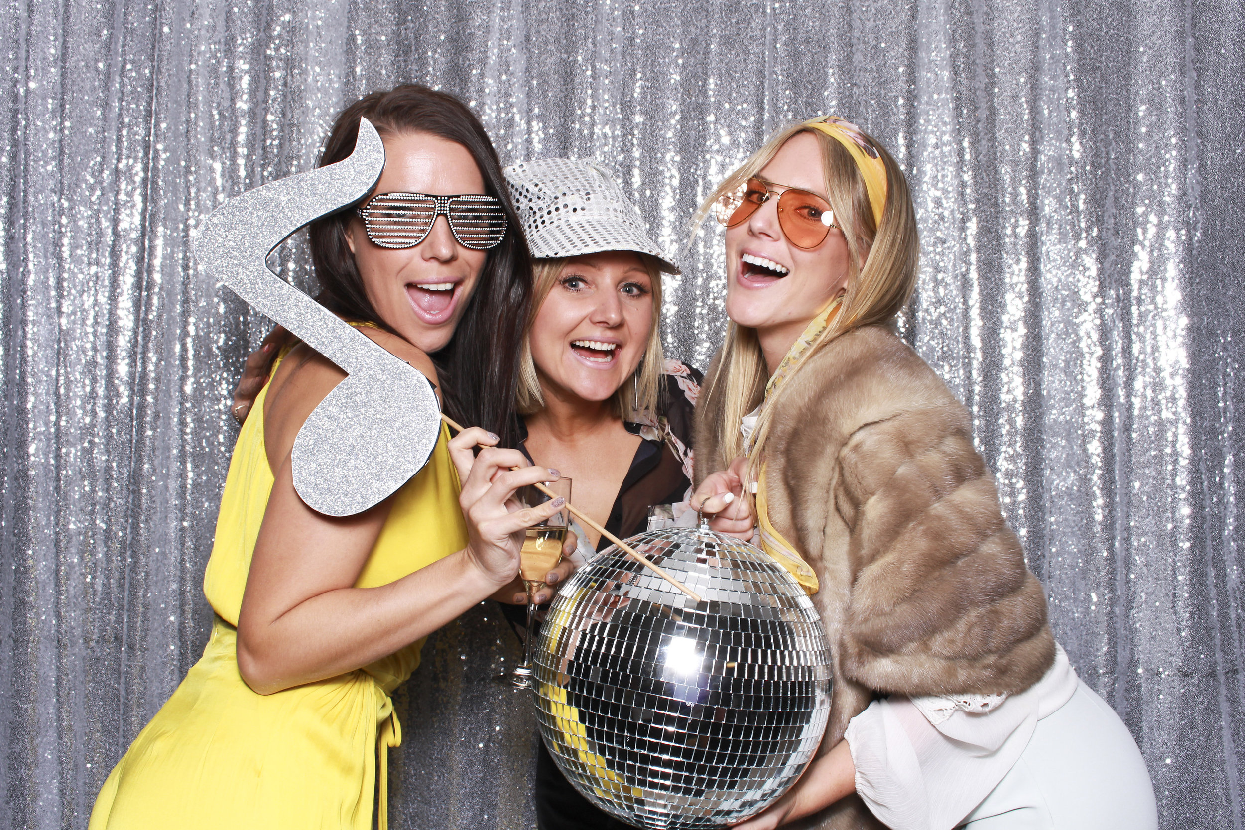 Photo+booth+hire+sydney+wollongong+silver+sequin4.jpg