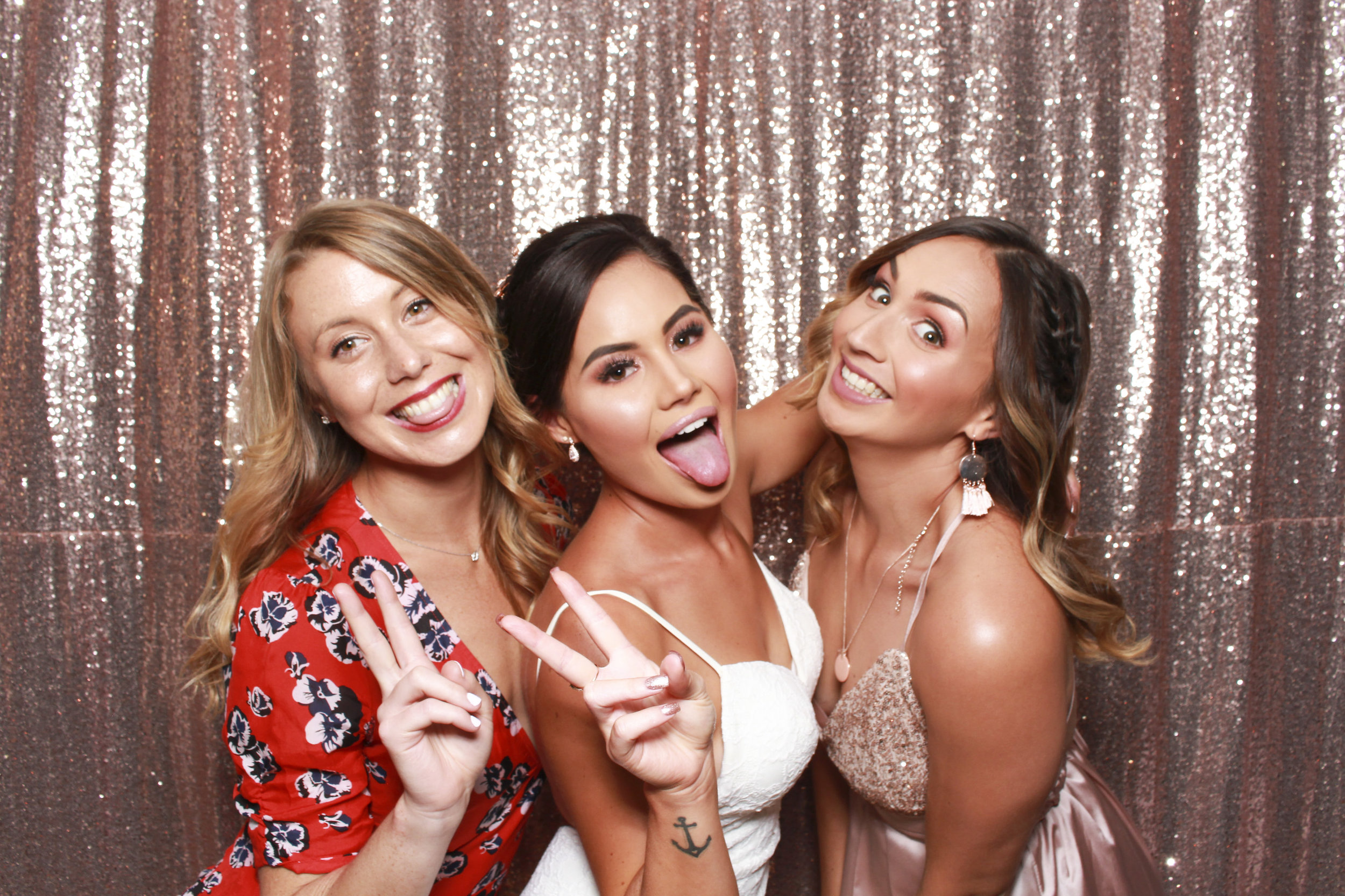 Photo+booth+hire+sydney+wollongong+rosegold+sequin2.jpg