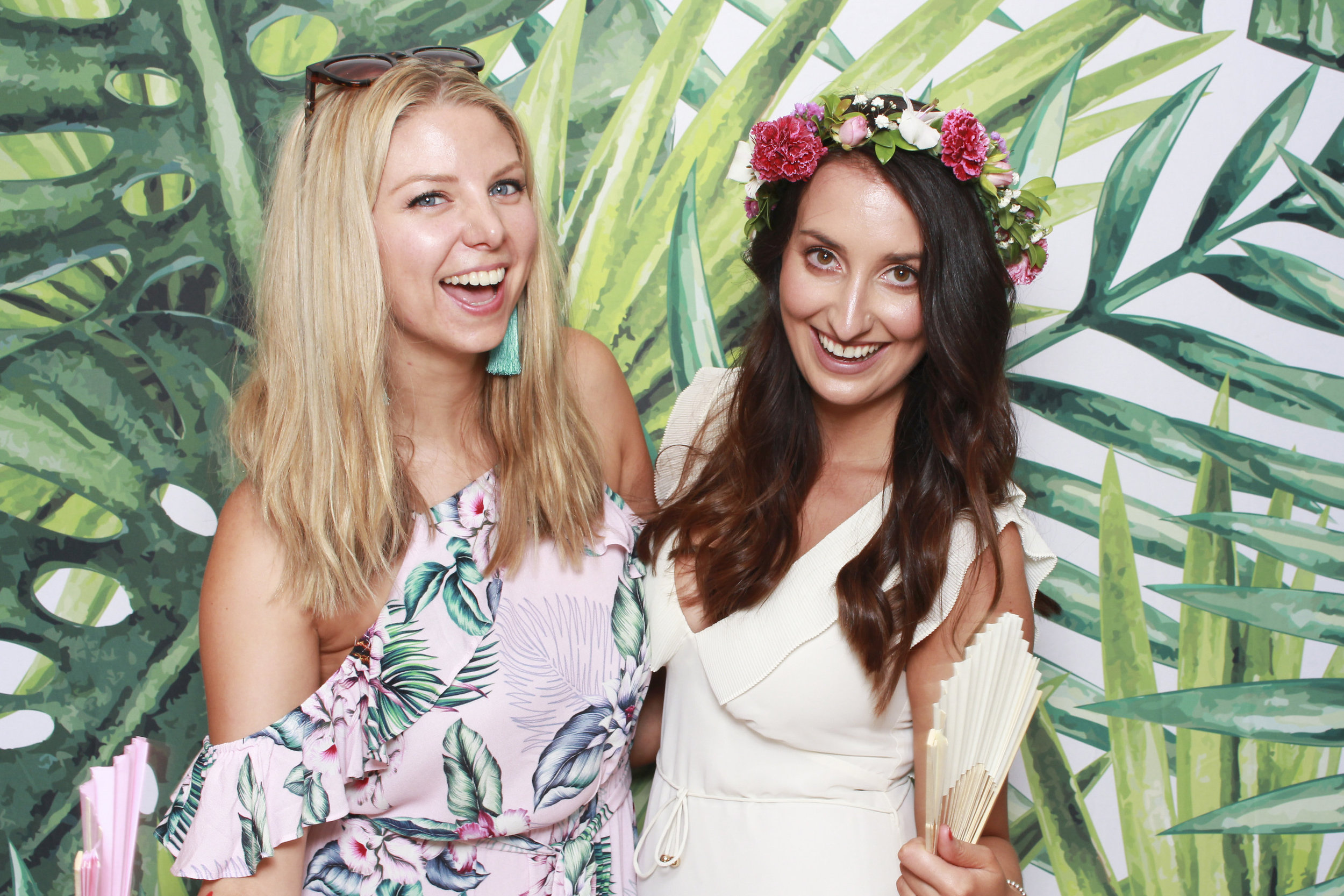 Photo+booth+hire+sydney+wollongong+tropical2.jpg