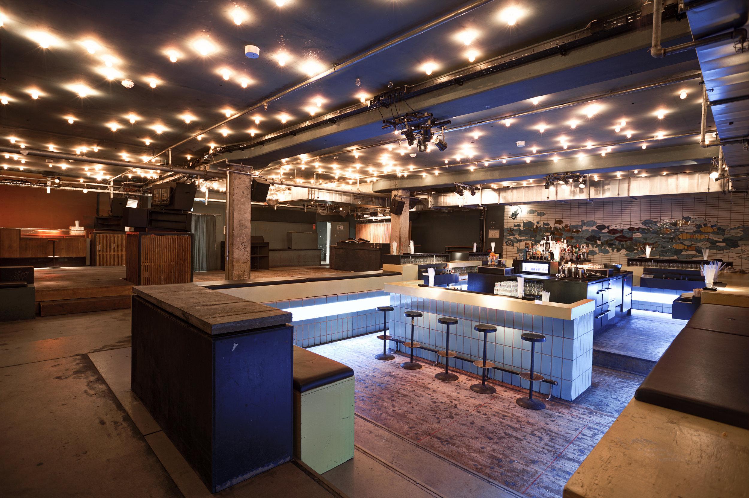 Bar+Dancefloor_FotoTimKraehnke.com.jpg