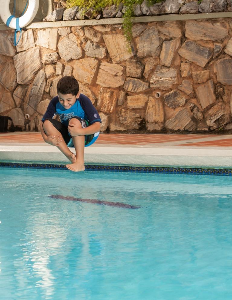 Pool (Canonball).jpg
