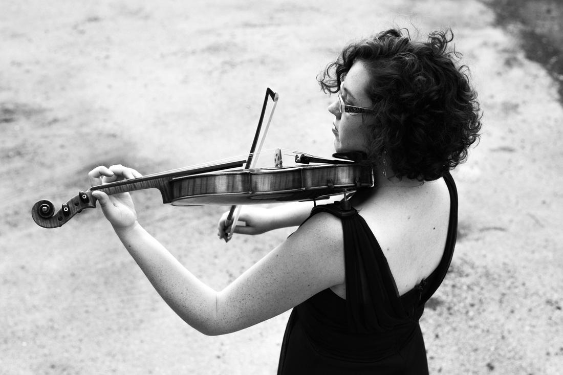 Catherine Rinderknecht Moritz, commissioning violinist