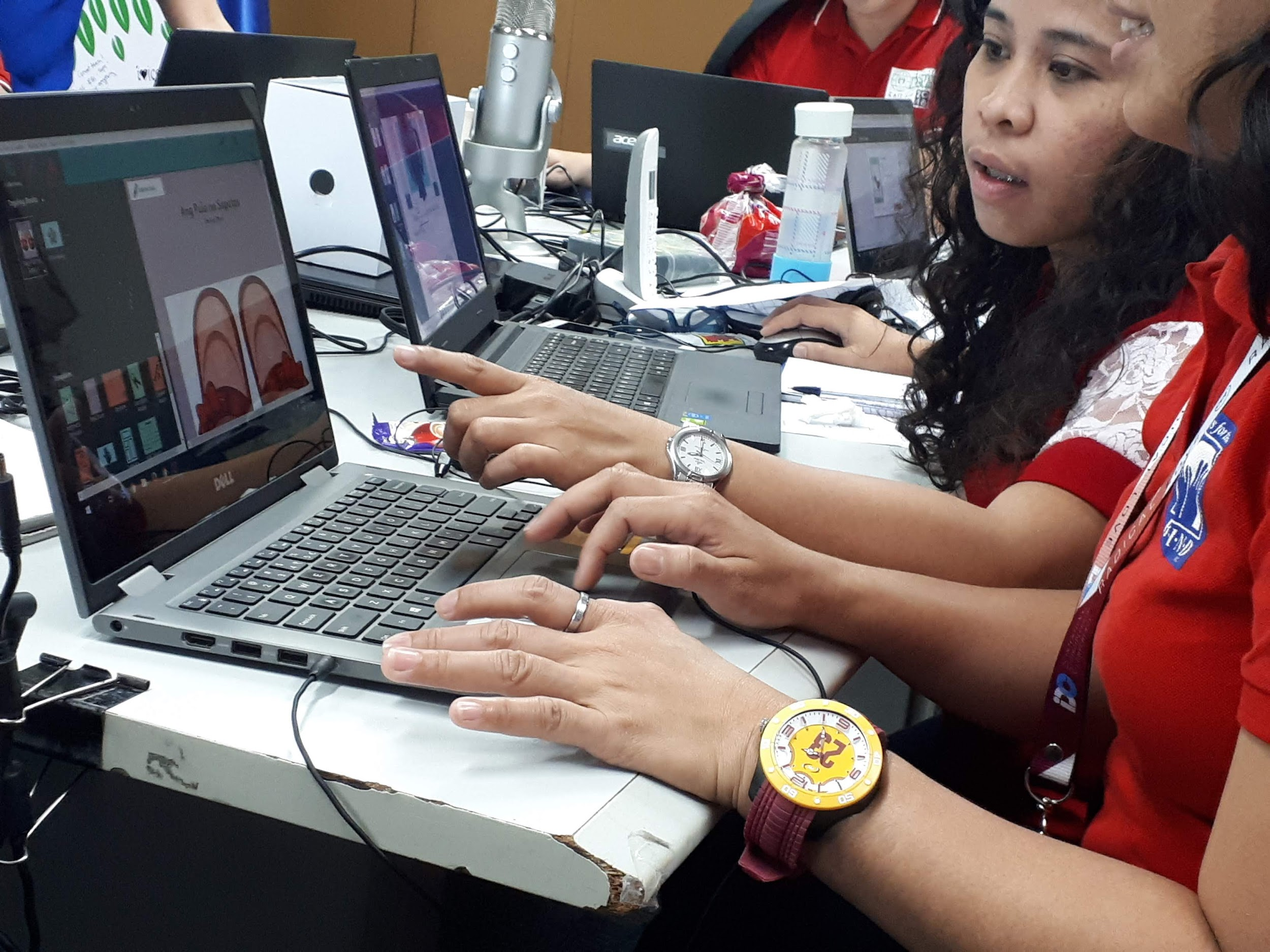 Creators hard at work at a Bloom training session with  RBI in the Philippines .