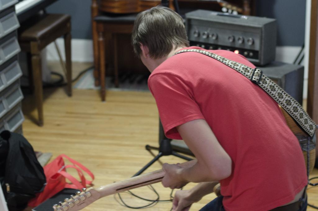 Knob twistin' and tone searchin' at Houndsteeth Studio.