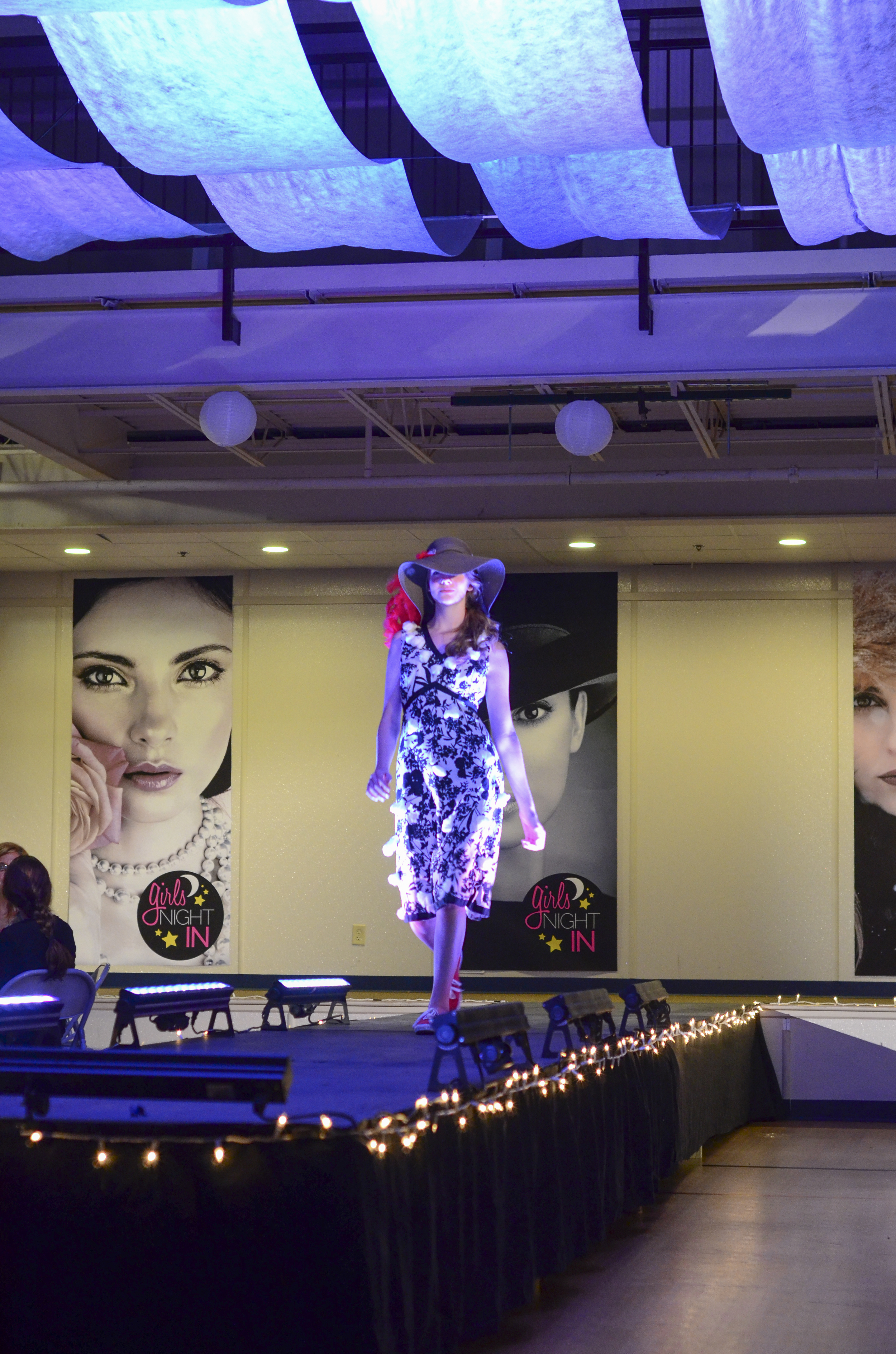 Girls_Night_In_Fashion_Show_024.jpg