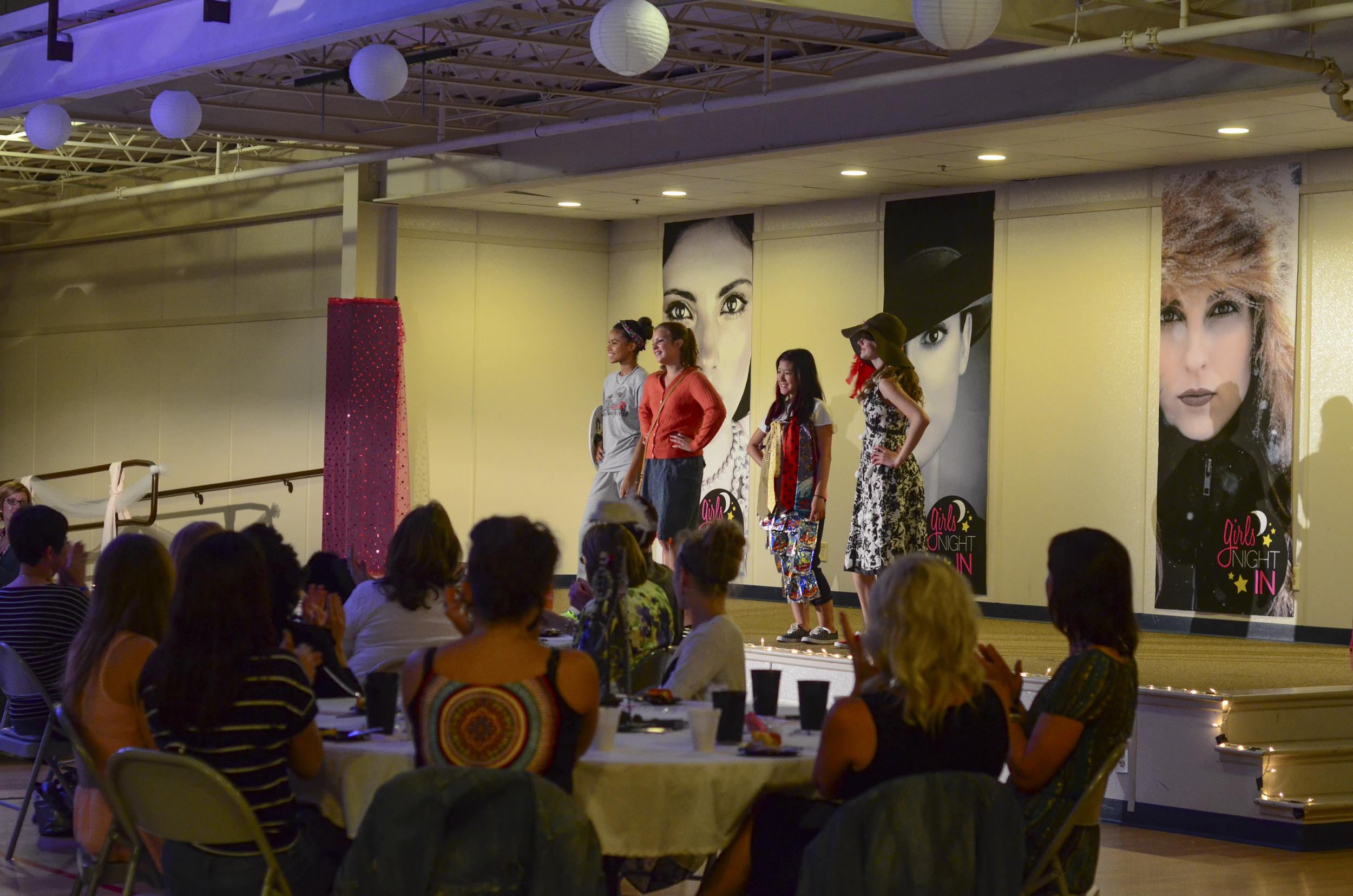Girls_Night_In_Fashion_Show_028.jpg