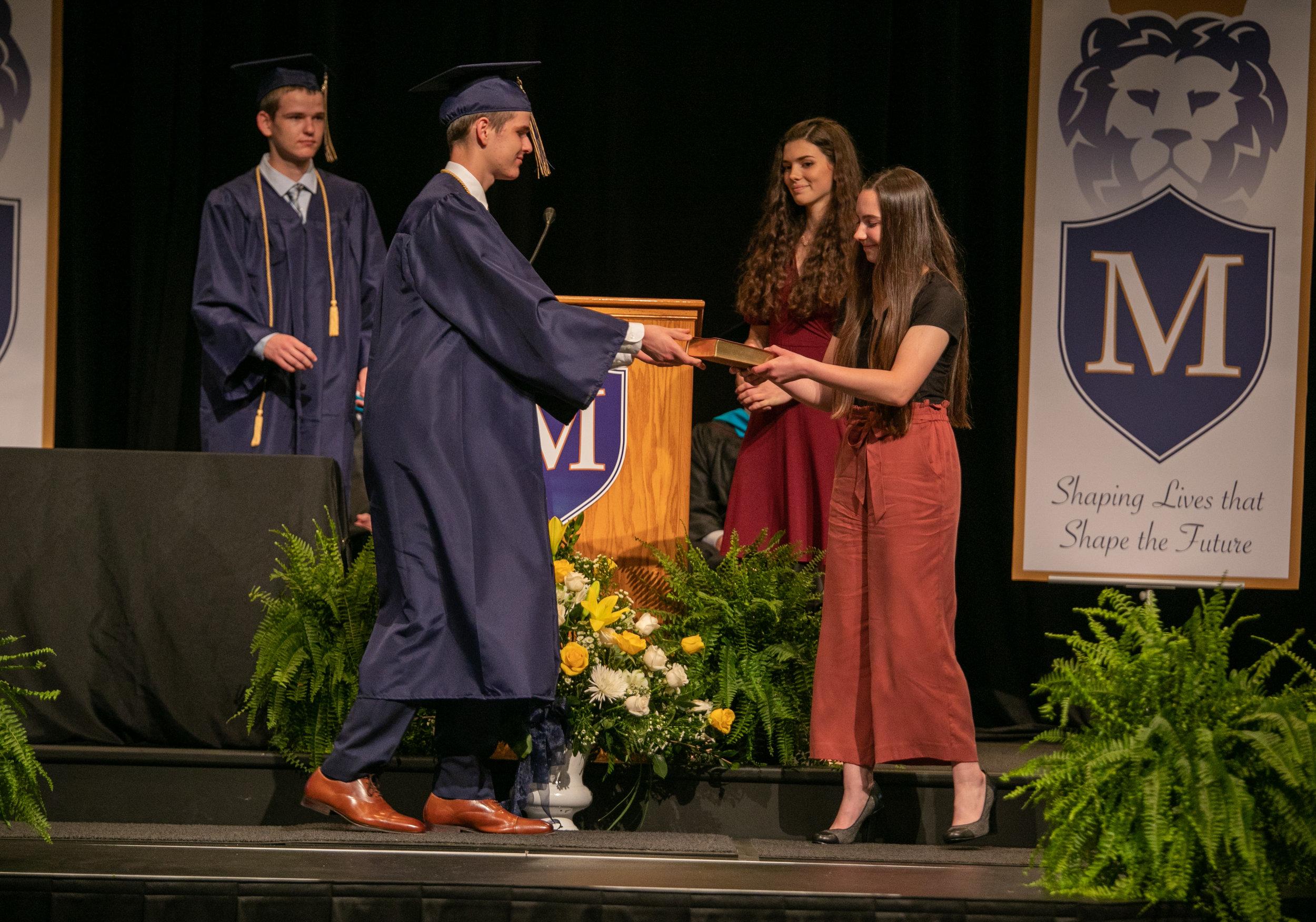 mchs_graduation_201911.JPG