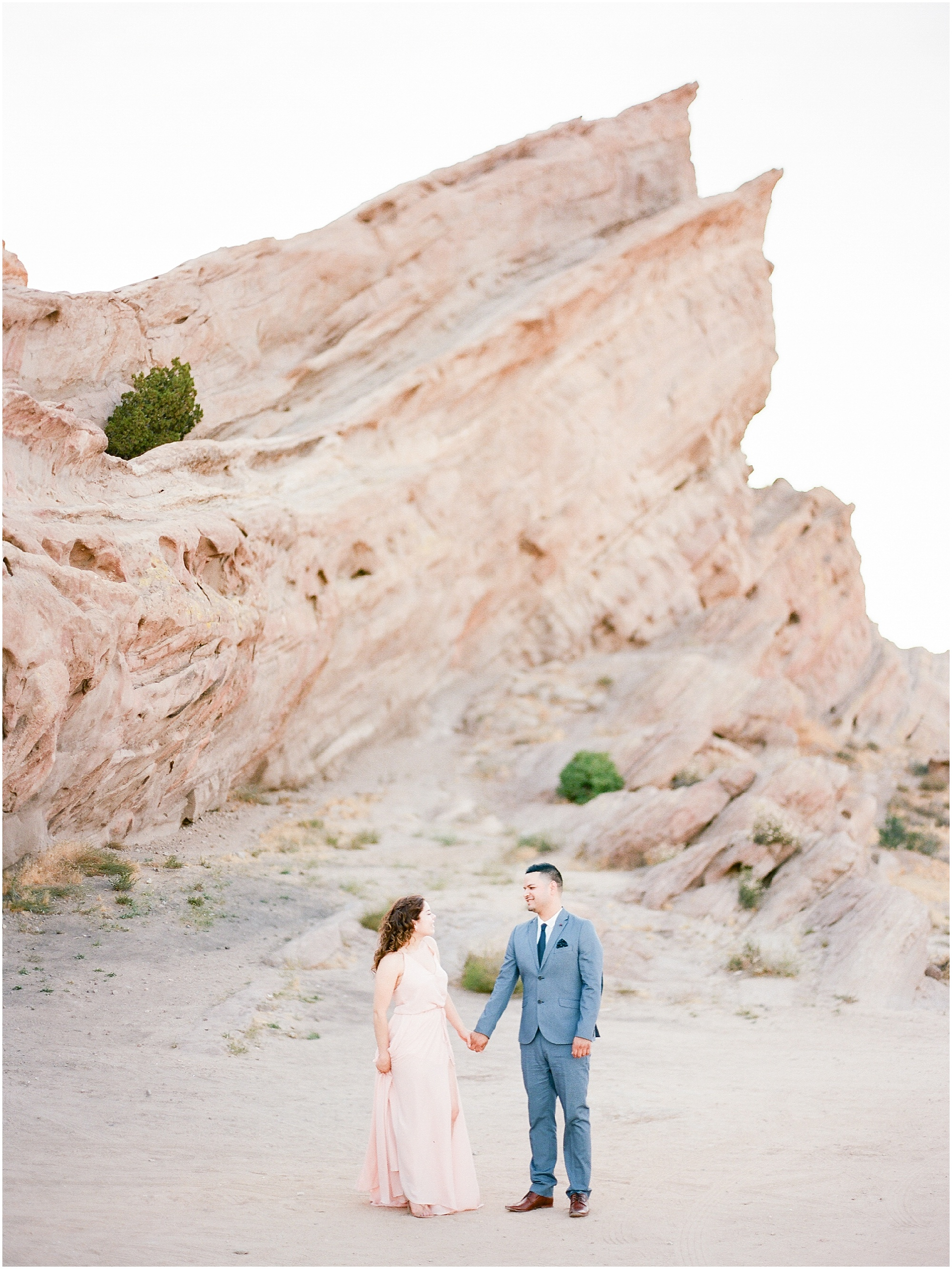 Vasquez-rocks-ca-engagement-session-6.jpg