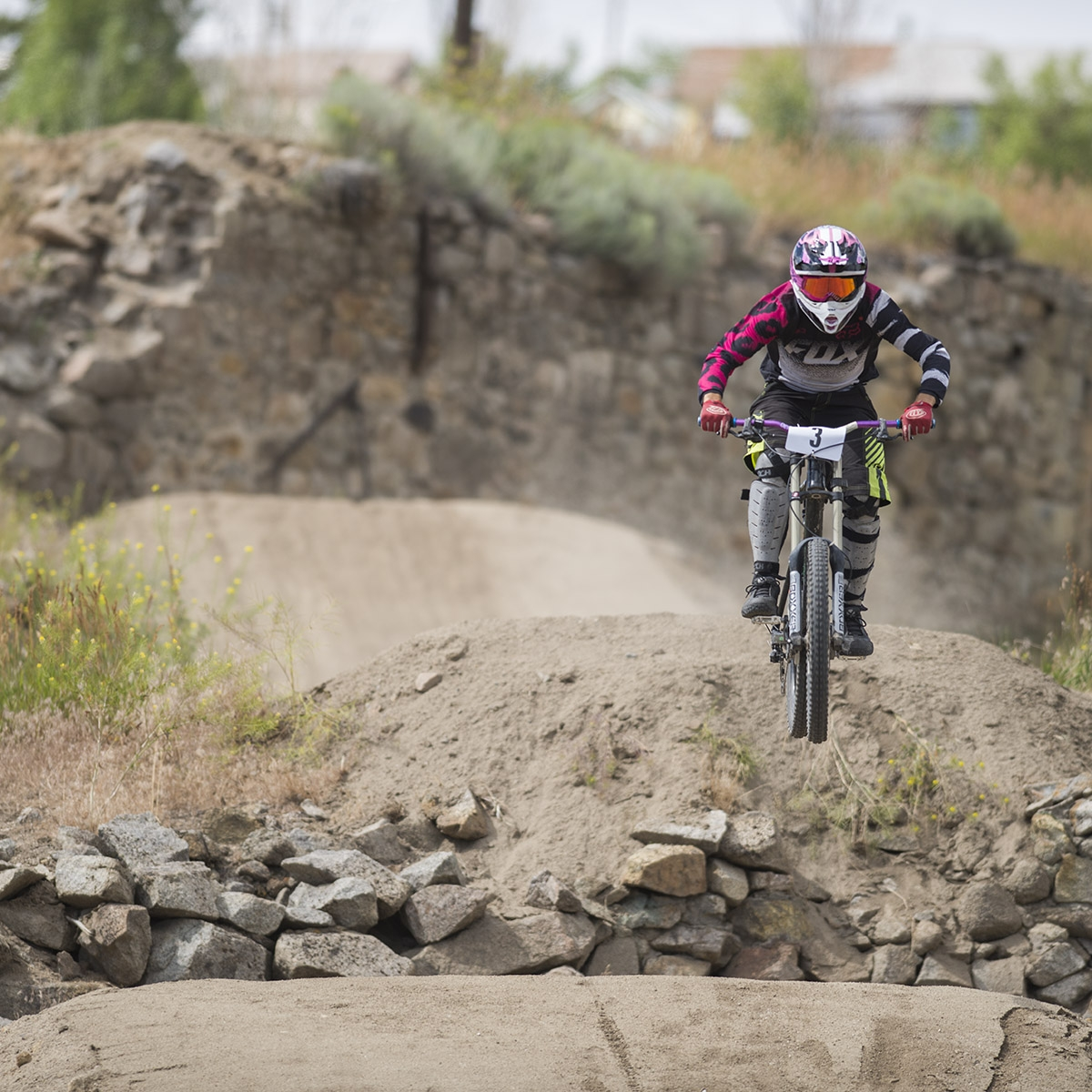 Flying down range Uptown. Evel Urban DH 2016. Butte. America.