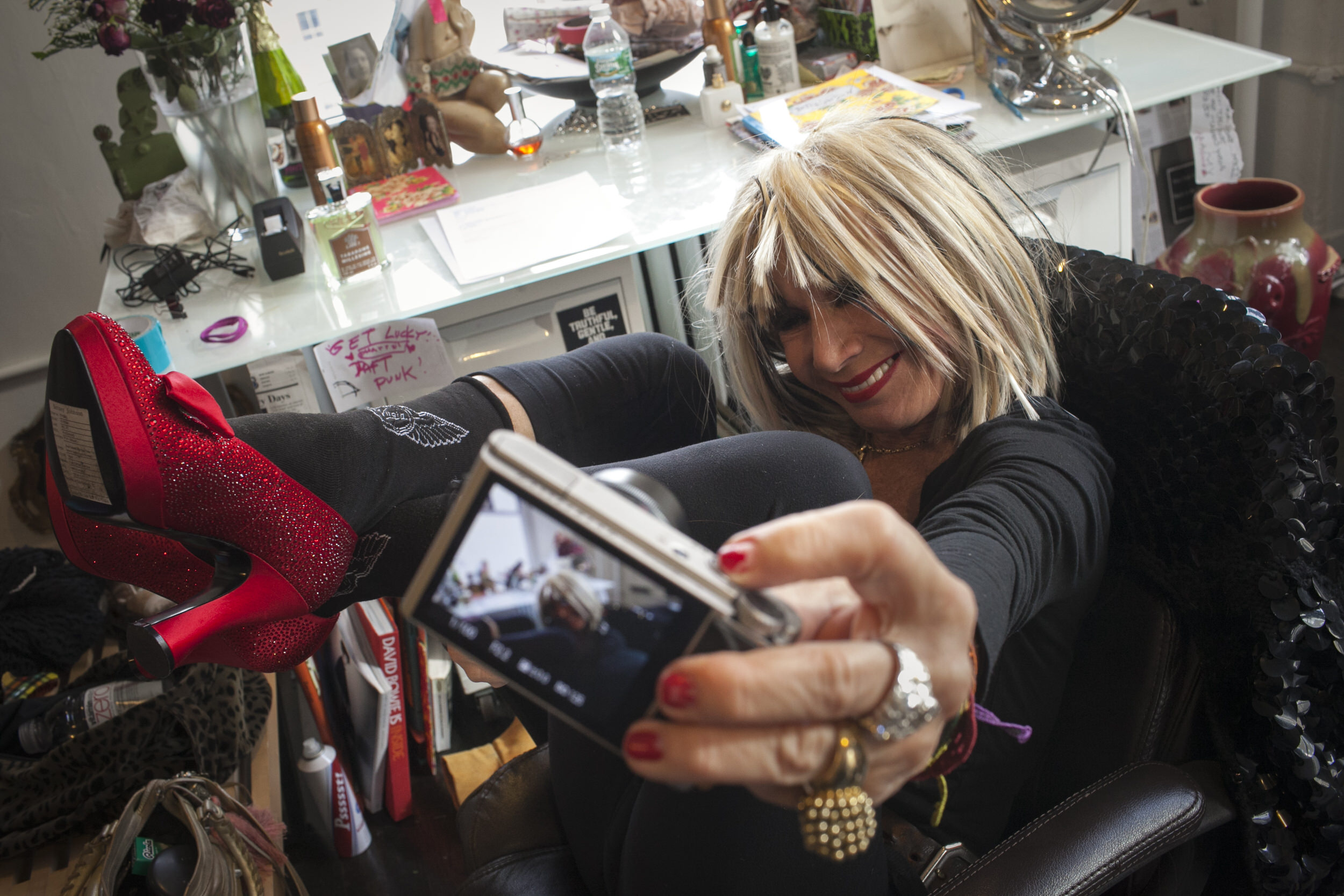Fashion Designer Betsey Johnson taking her first-ever selfie.