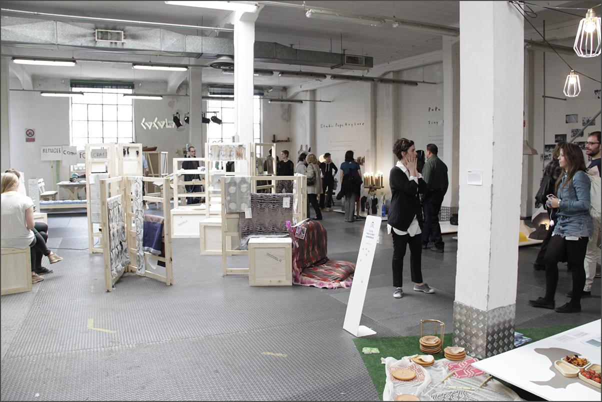 """Выставка """"альтернативного"""" дизайна в районе Lambrate в Милане."""