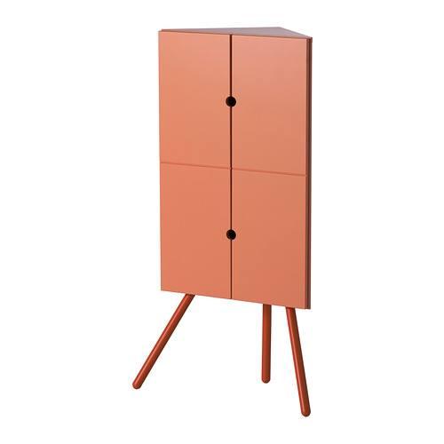 Этот угловой шкаф для хранения - выражение свежих тенденций скандинавского дизайна.