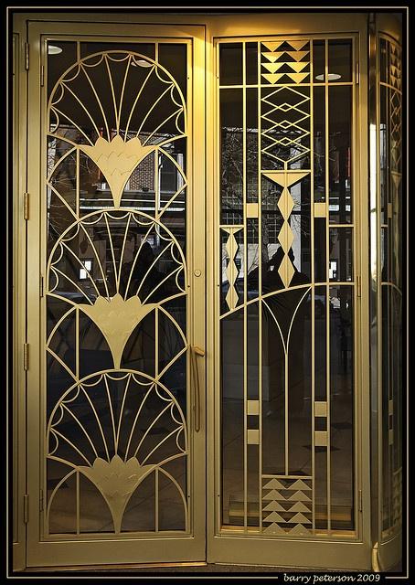 Входная дверь в стиле Ар Деко
