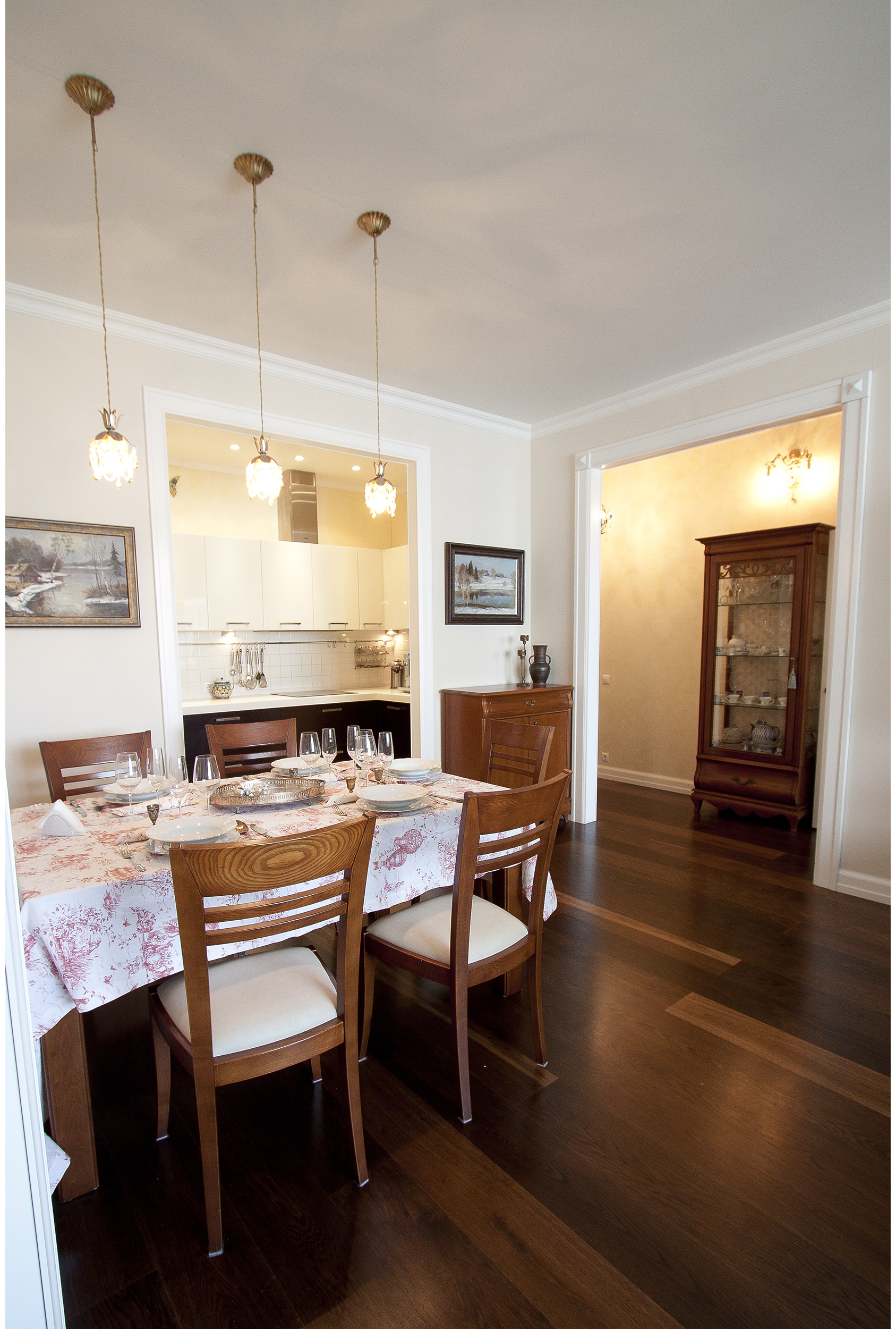 Copy of Traditional kitchen/dining interior