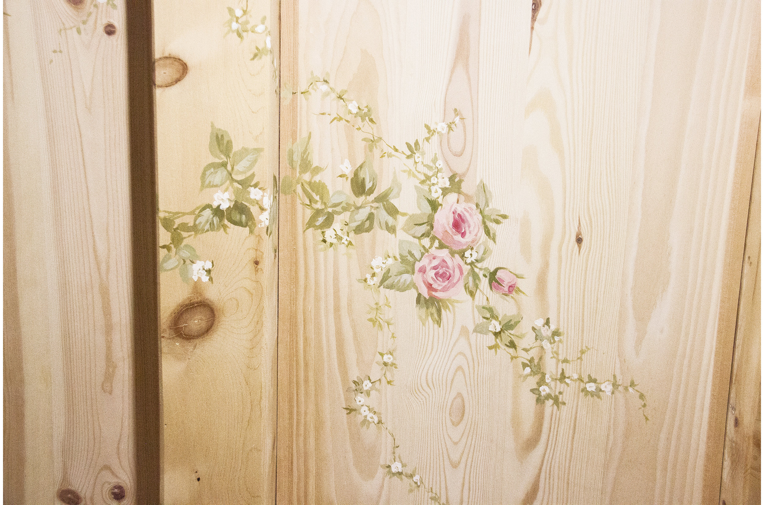 Copy of Wooden ceiling decorated by hand with floral pattern