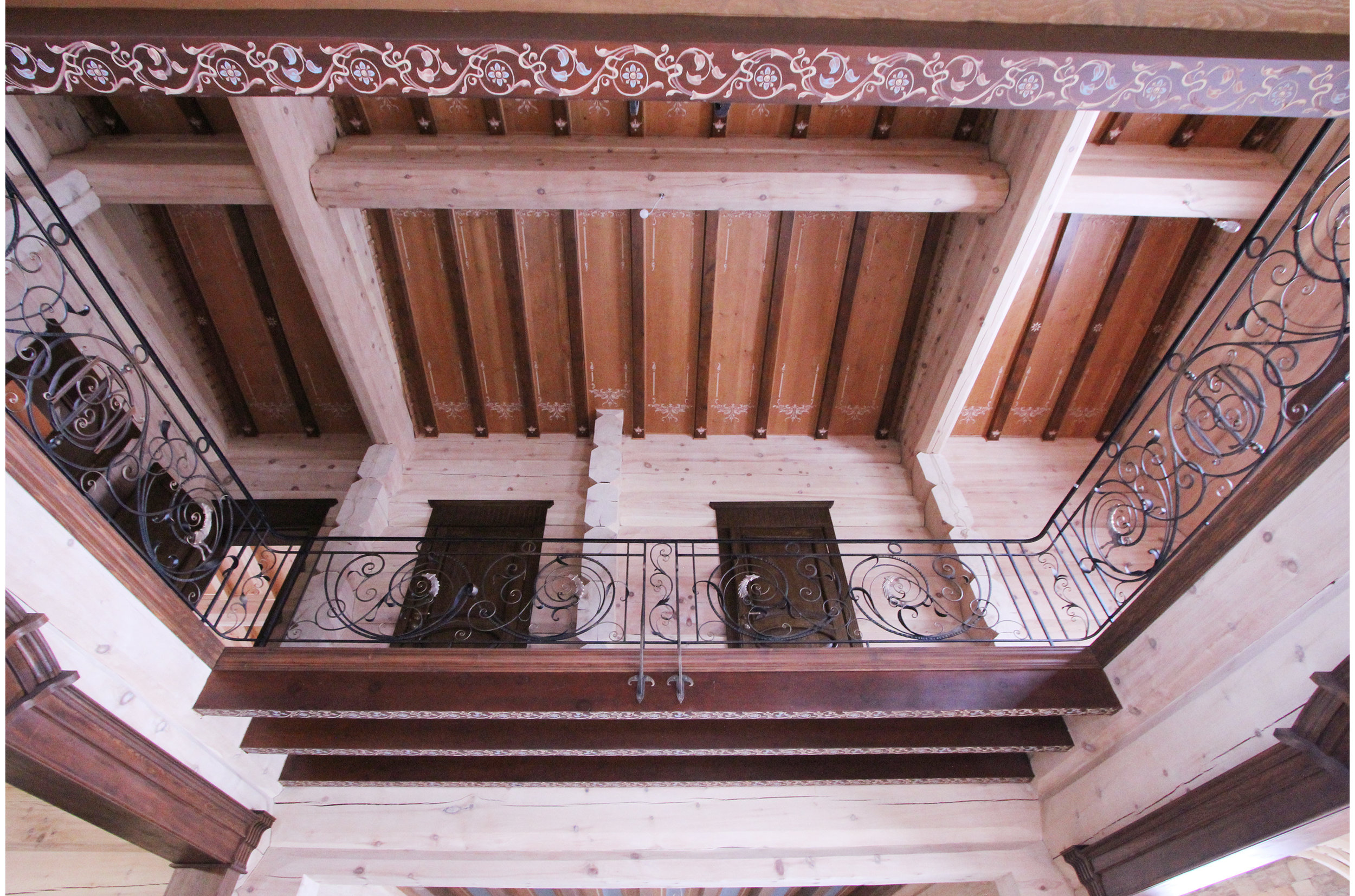 Copy of Wooden ceiling decorated with floral ornaments