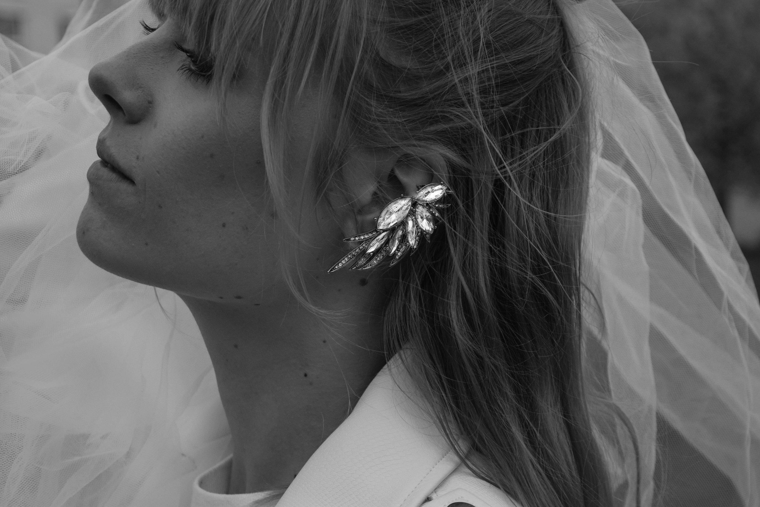 The best LOVE STORY is when you fall in love with the most unexpected person at the most unexpected time. // Die beste Liebesgeschichte ist, wenn du dich in die nie geglaubt existierende Person zur  unerwartetsten  Zeit verliebst.