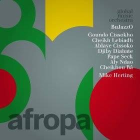 West-Afrika Tournee des BuJazzOs begleitet.
