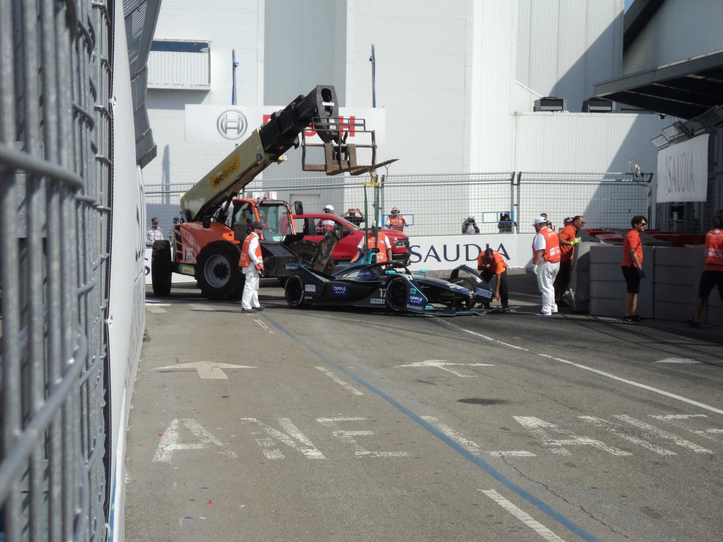 Yours truly, assisting in the recovery of Gary Paffett's crashed HWA Racelab car
