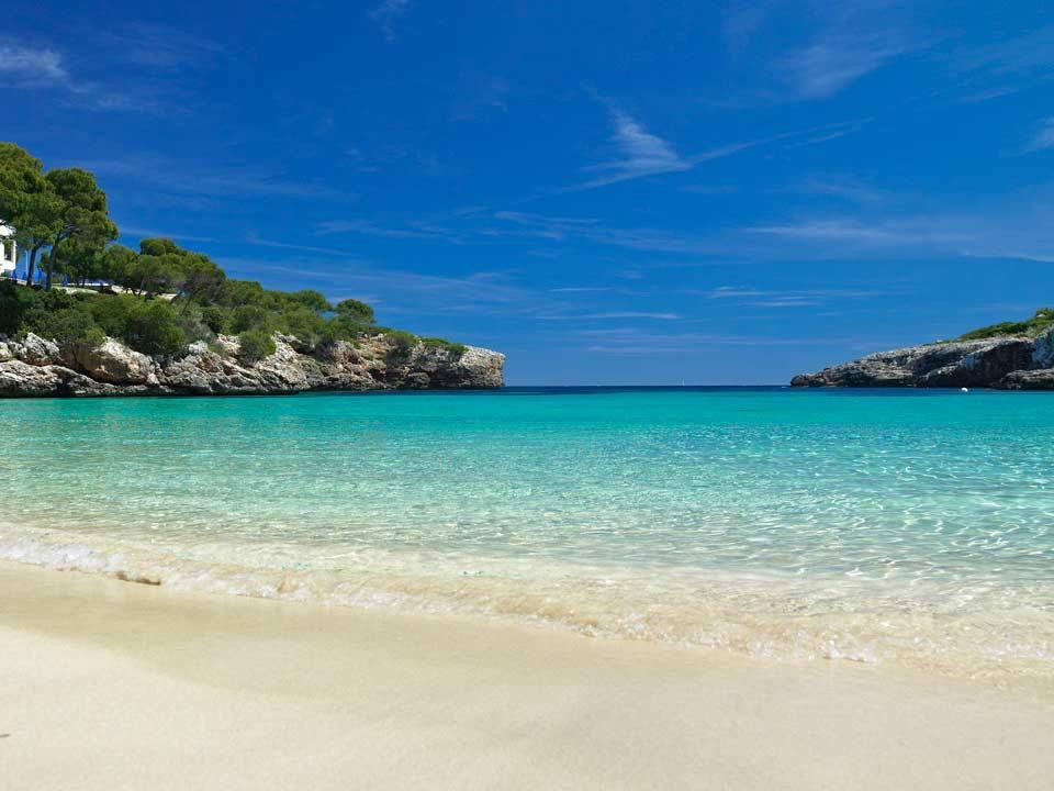 MajorcaYoga-beach-holidays-Majorca-Activities2018-1-LocalBeach.jpg