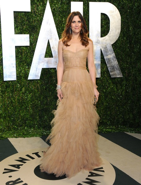 0227-kristen-wiig-j-mendel-oscars-2012-academy-awards-dresses_we