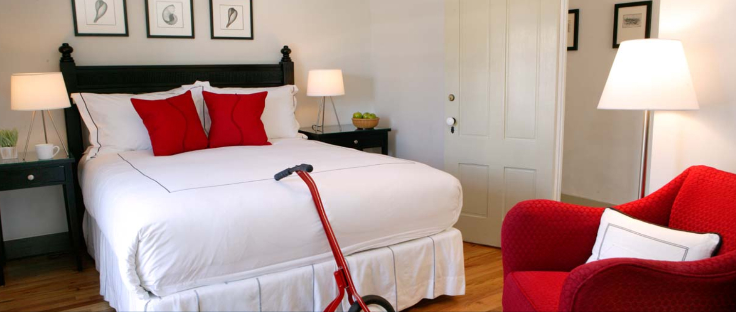 FOR SQ.SPACE-GUEST ROOM RED4.jpg