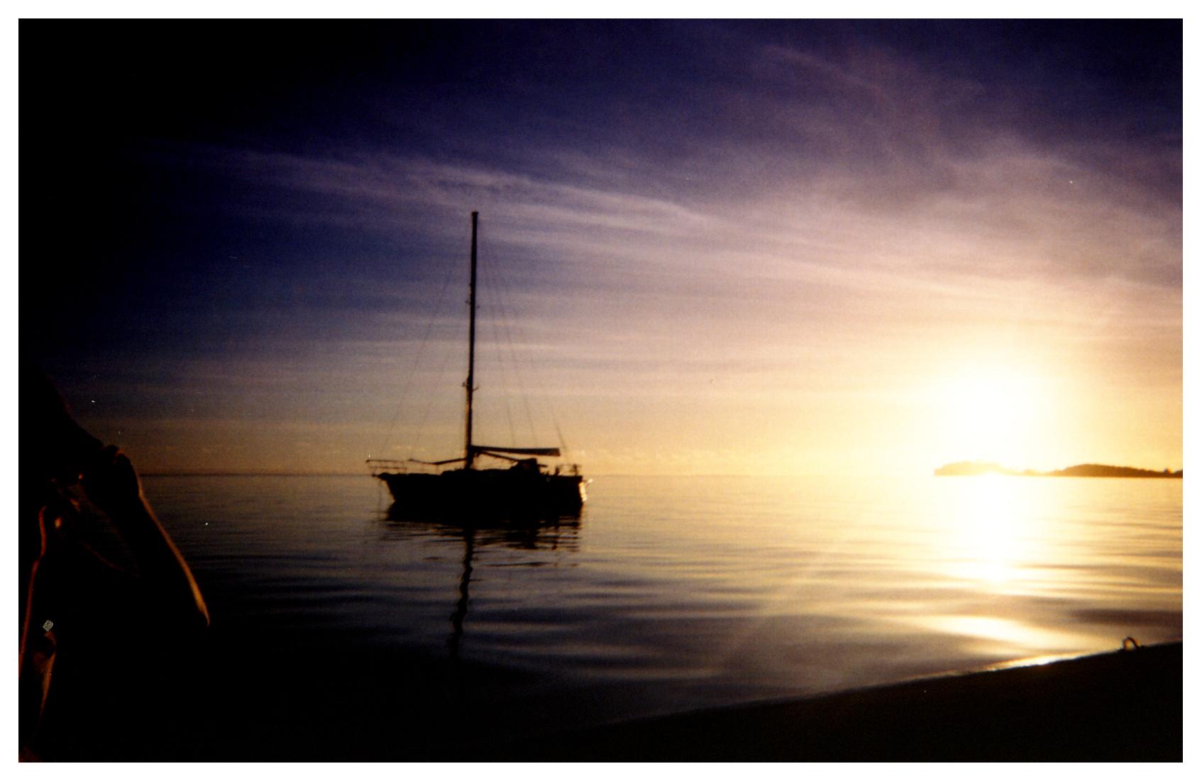 Tahiti-boat.jpg