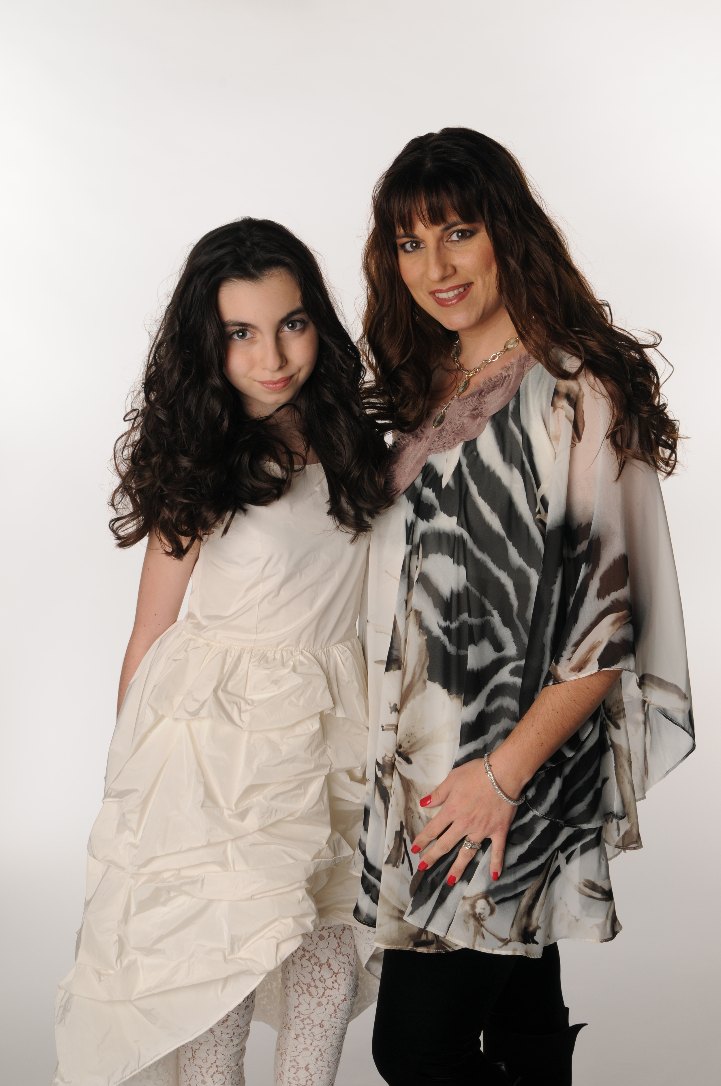 Vara and Emilia