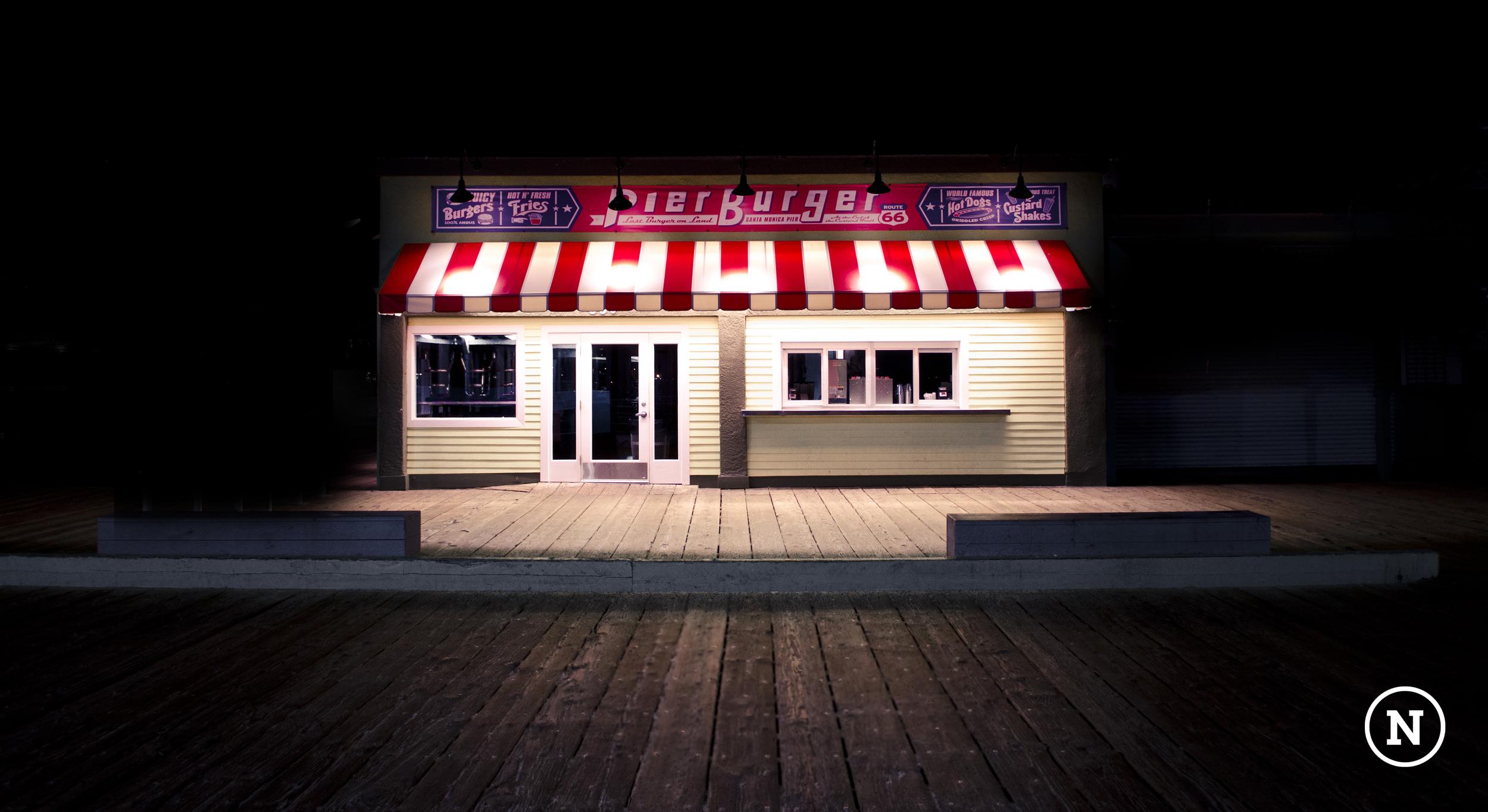 Pier Burger black.jpg