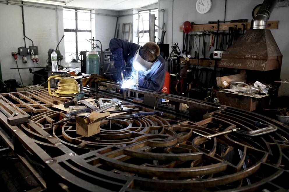 Blacksmith-richard-watkins-metalwork-sculpture.jpg