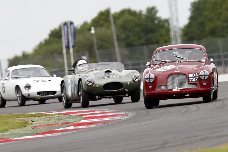 Douglas Barker (DB2/4), Chris Guest (RGS Atalanta) and Robin Ellis (Lotus Elite) -Photo - Mick Walker