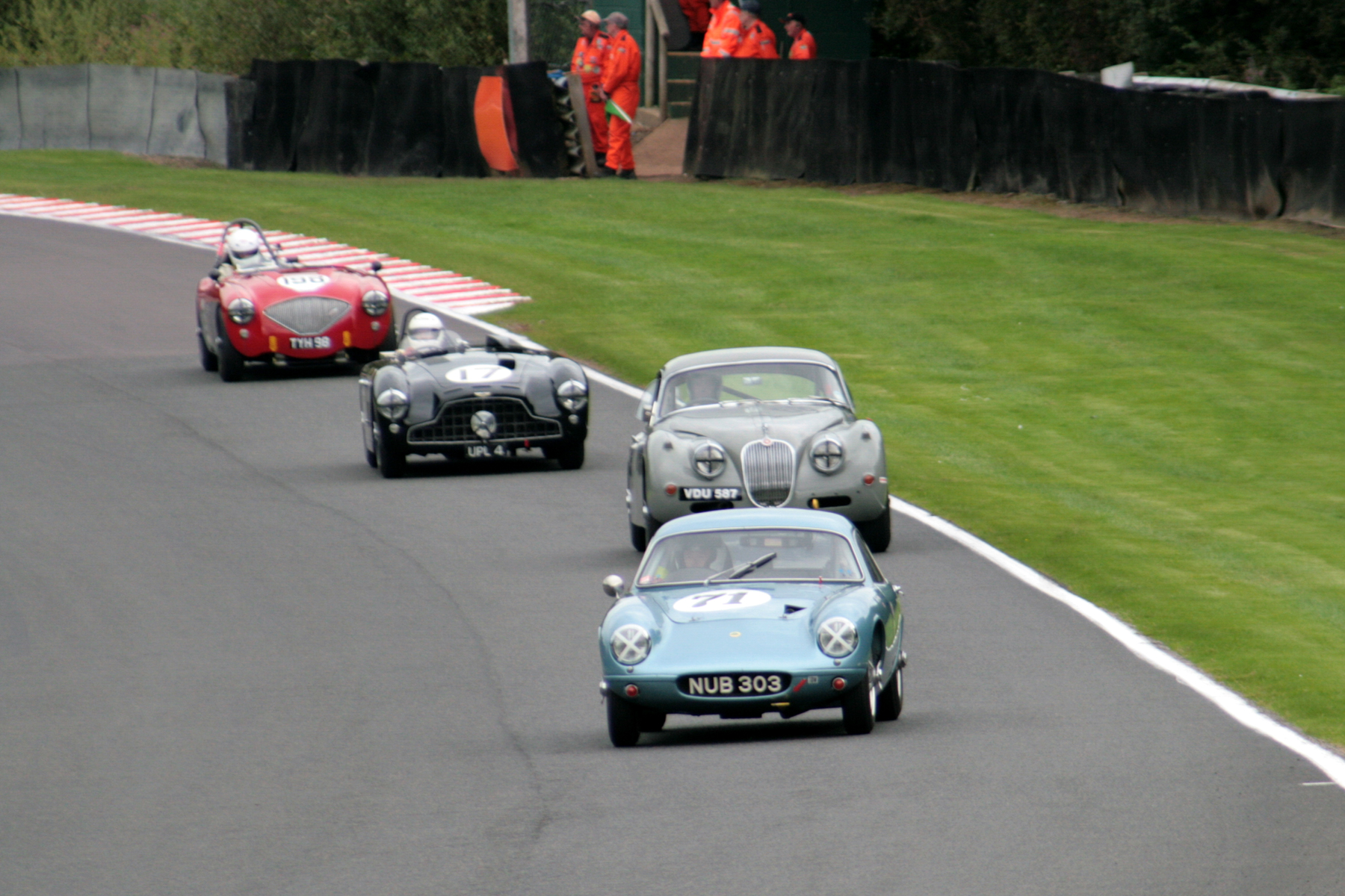 Brian Arculus led from start to finish but the Lotus driver was watching Paul De Havilland's Jaguar XK150 closely in the early stages.