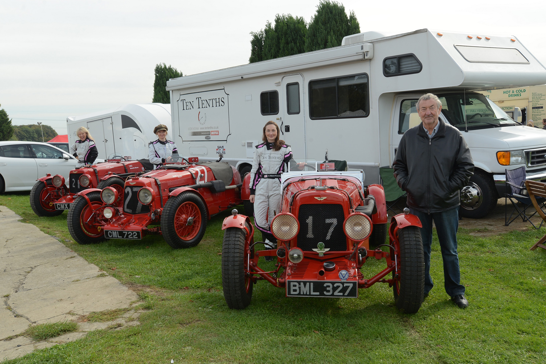 From left to right, Annette (LM21), Chloe (LM18) & Holly (LM17) and a rather well known drummer, racer and writer!   Photo - Ollie Read