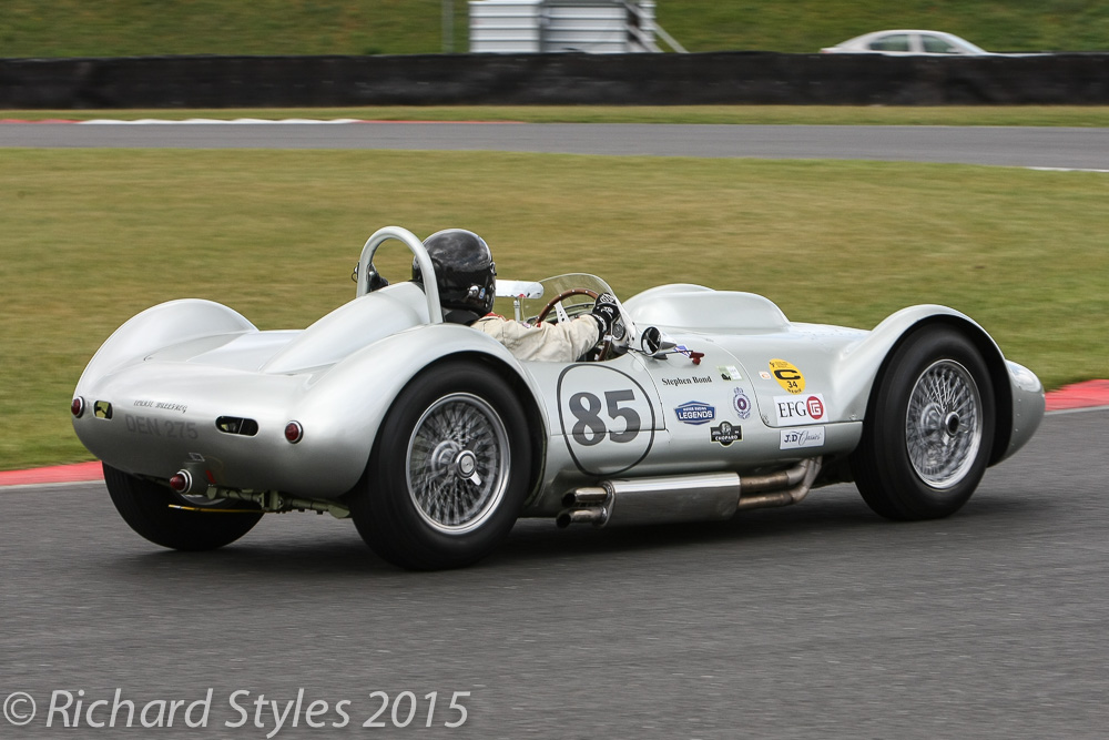 Stephen bond's held an easy 2nd place and was able to capitalise when the leading Aston failed on the last lap. It was somehow fitting that we had a lister victory on a day when we were celebrating the lives of both Archie Scott Brown and Brian Lister.