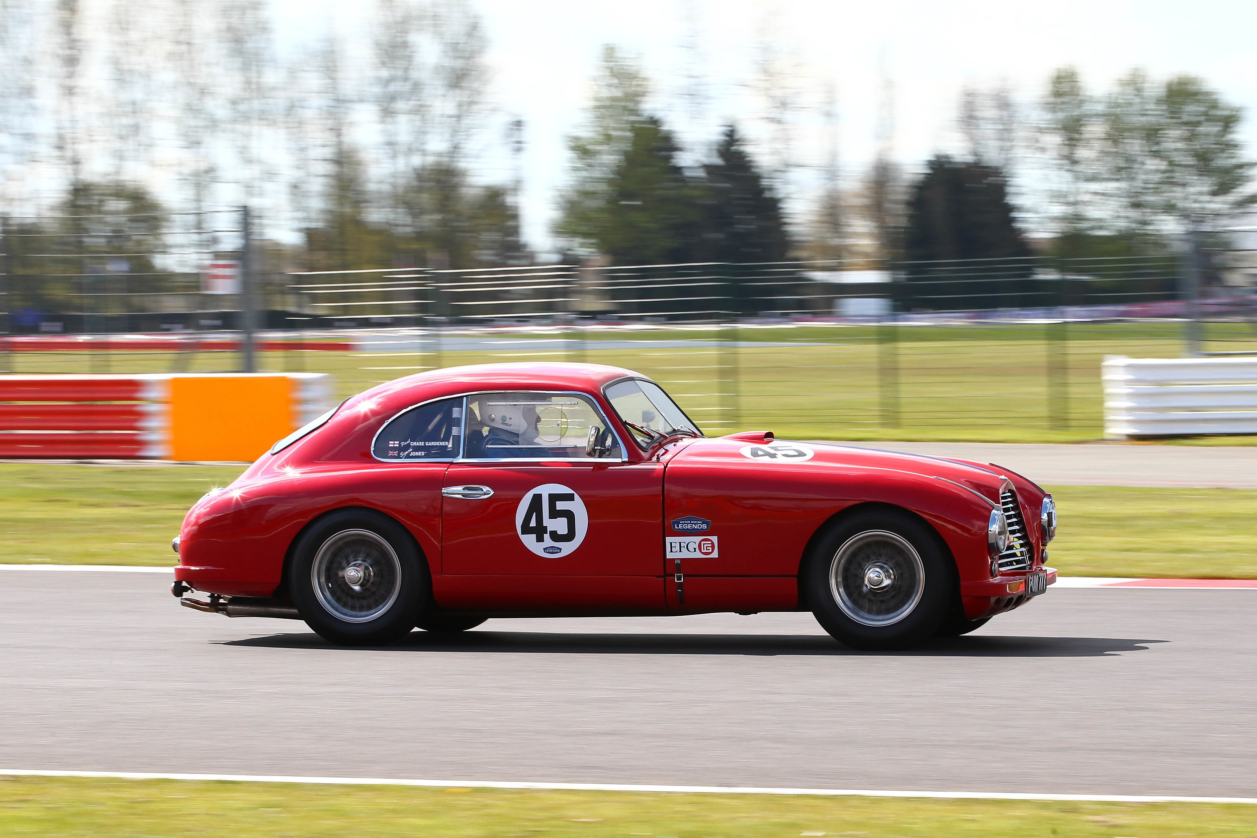 Here the lovely purposeful lines of the DB2 are shown at their best. Paul Chase-Gardner at speed                          Photo - Richard Styles