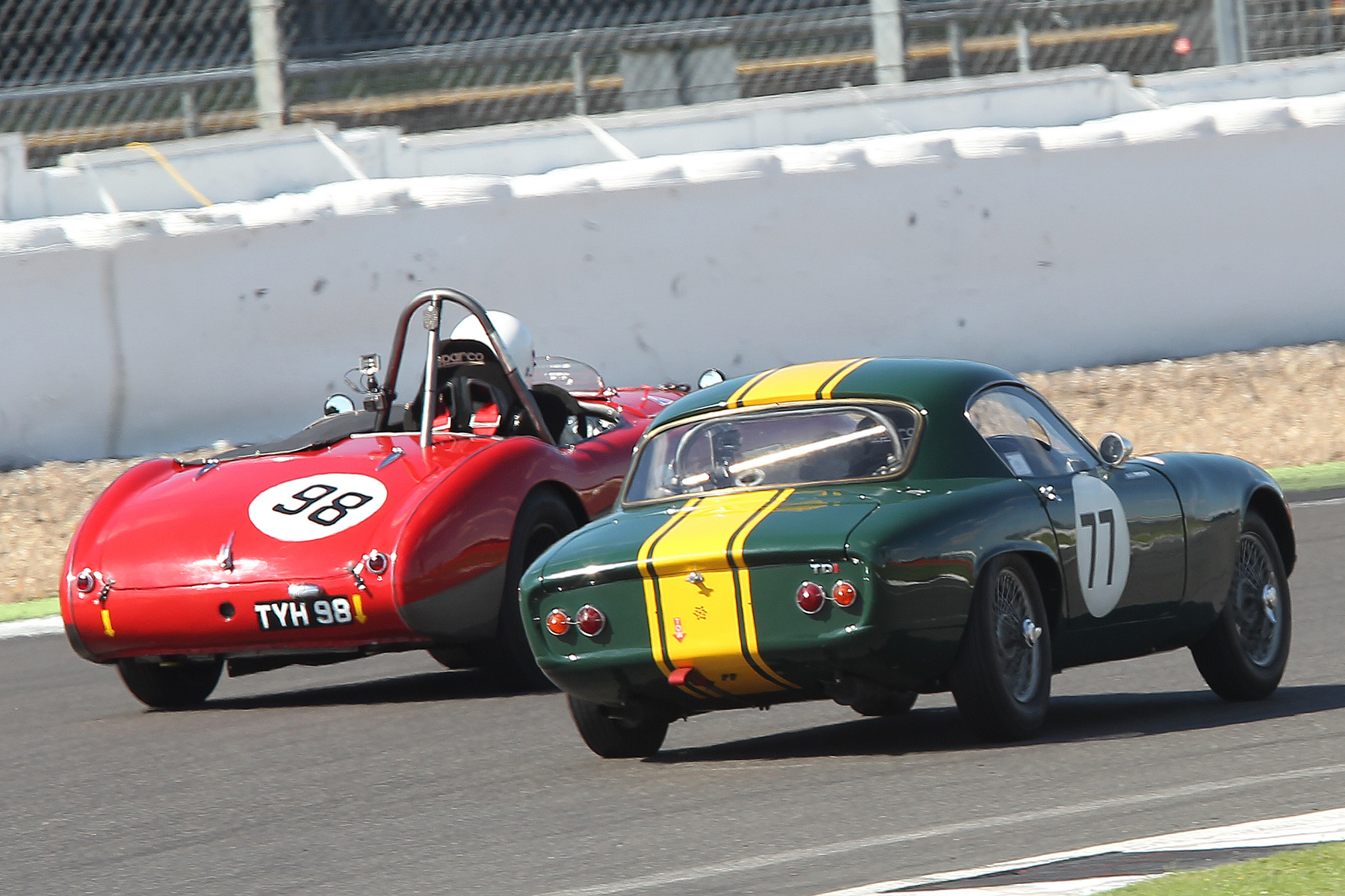 The battle for 3rd was hard fought - Mike Freeman and Nick Matthews in Woodcote  Photo - Mick Walker