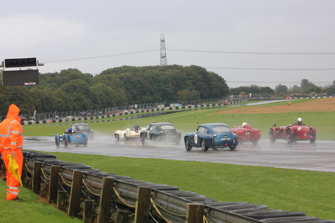 The first 4 rows +1 get away. Mark Gillies seems to have made a poor start in the Monoposto (19) whilst Simon Jeffries has made a good start from row 5 in his blue DB MkIII (47) Photo - Pat Arculus, Tripos Media