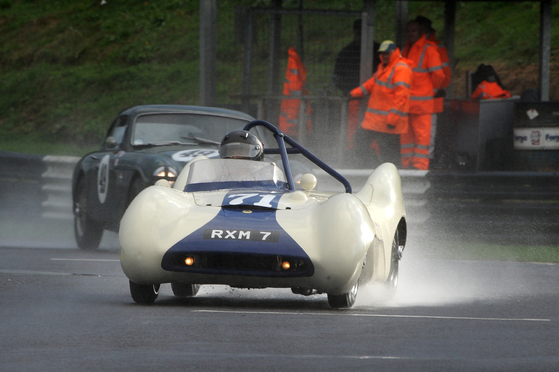 Chris Woodgate starts to close in on Brian Arculus in the little Lotus                                       Photo - Jeff Bloxham