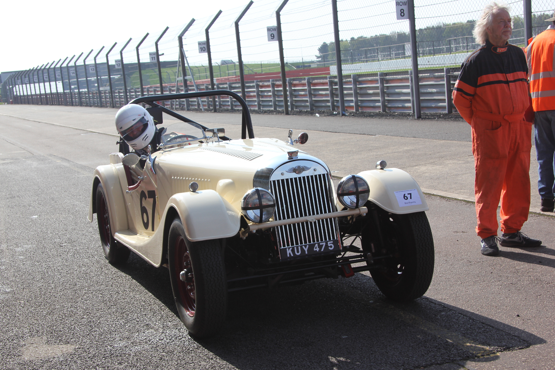 Newcomer, Mark Shears in the Flat Rad Morgan  +4 lines up for qualifying.                                       Photo - Pat Arculus, Tripos Media