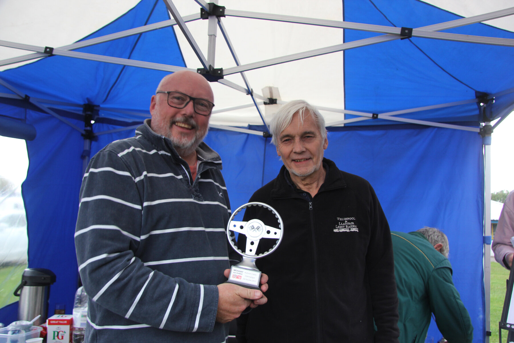 Mark Hoble receives the Index of Performance award for the Castle Combe race.