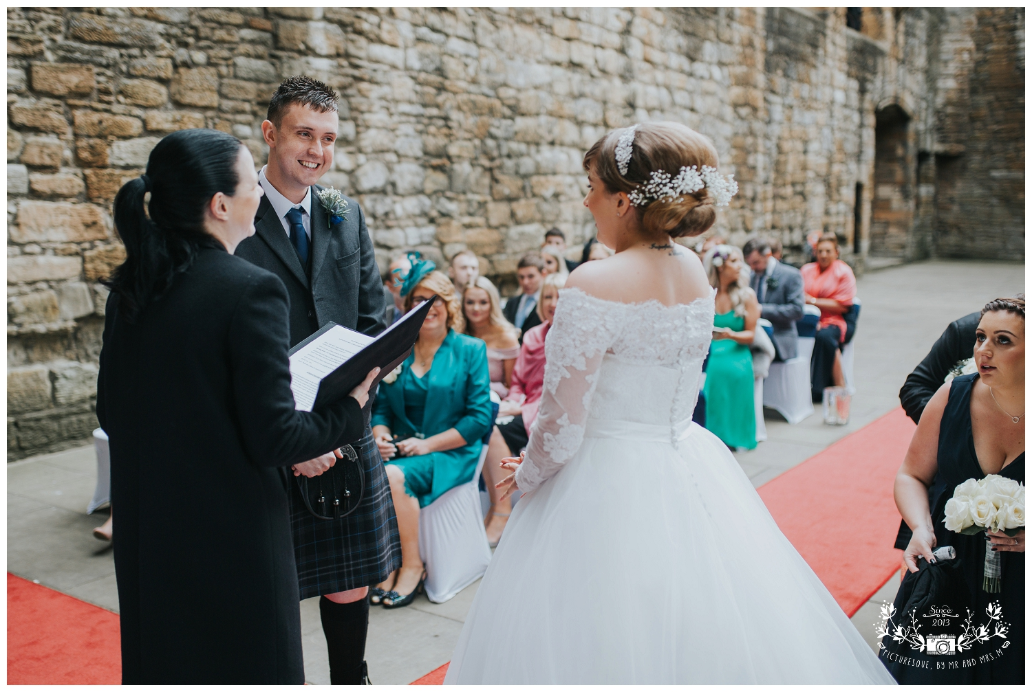 Linlithgow Palace and Beancross wedding_0019.jpg