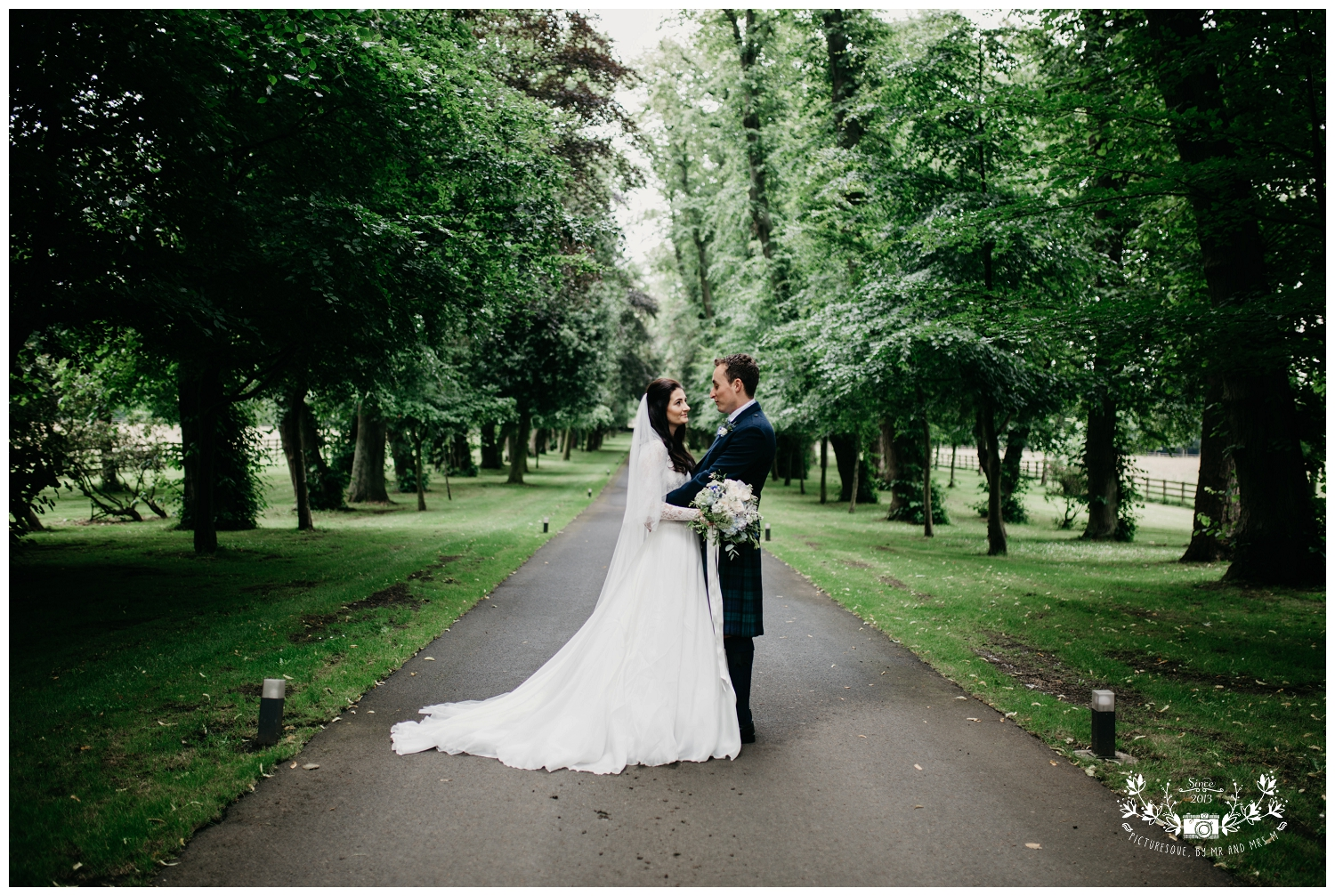 St Michael's Linlithgow and Carlowrie Castle Wedding, Scottish wedding photography, Picturesque by Mr and Mrs M_0029.jpg