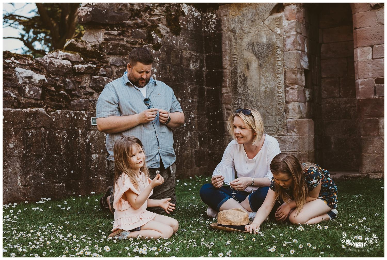 Family photography, Dryburgh Abbey, Falkirk, Glasgow, Edinburgh_0008.jpg