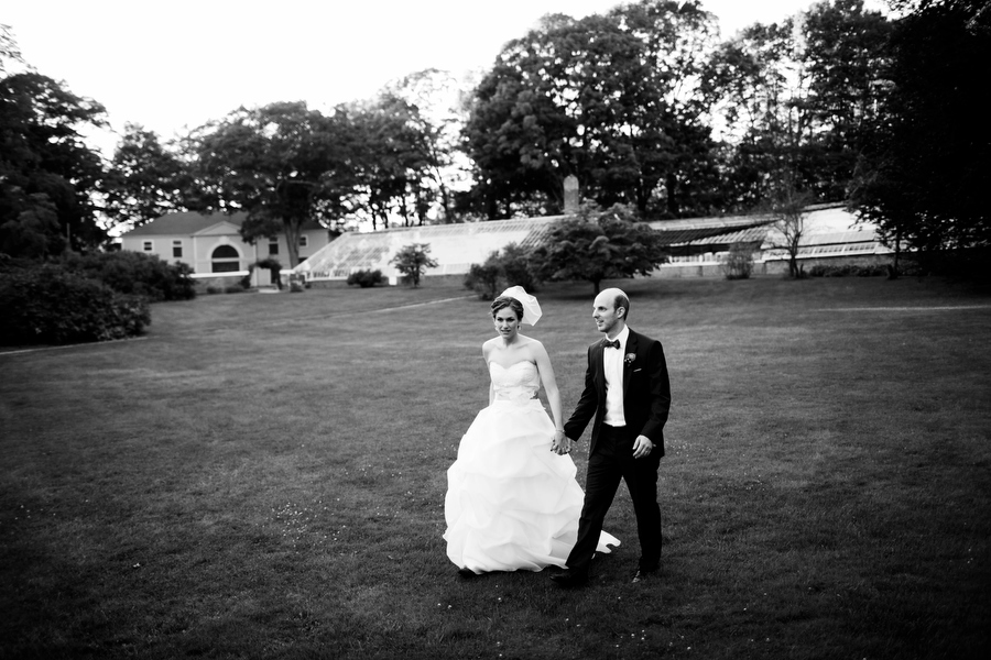 bride and groom portaits