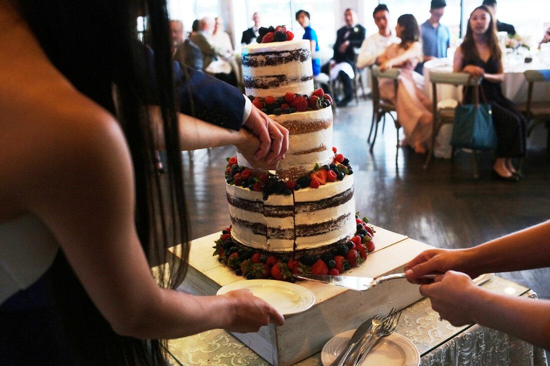 wedding-cake-01-Oceanview-wedding-Nahant.JPG