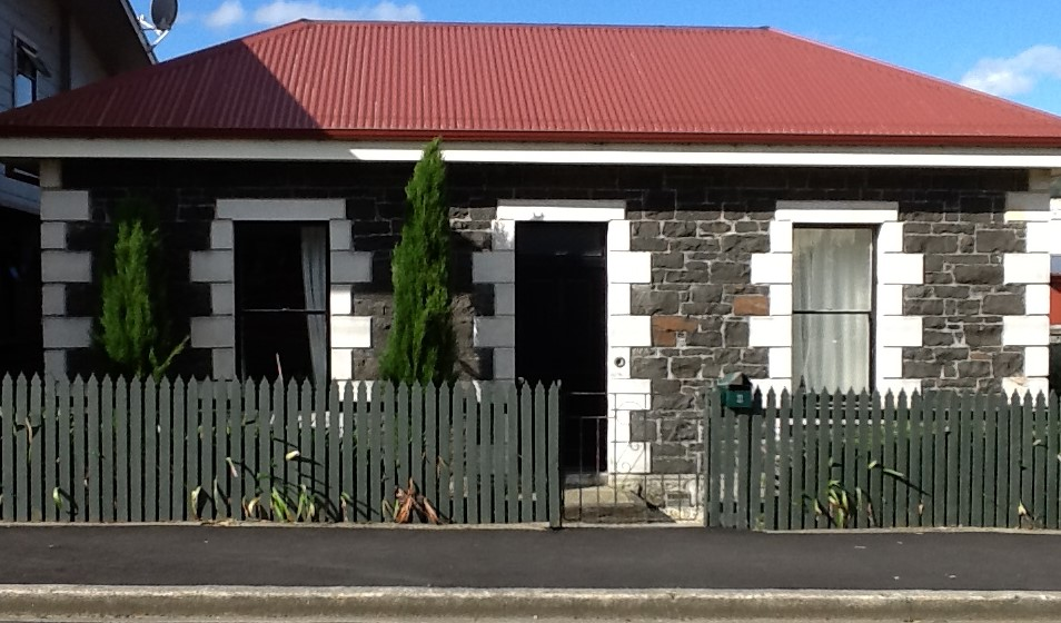 6 Gladstone Road Cottage, North East Valley,Gardens. One of the addresses where the Laws' lived in Dunedin.