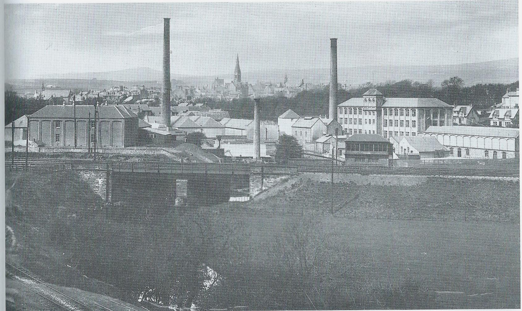 Spinning Mills  opened by Thomas Biggart in 1876. Later this became the biggest employer in Dalry. The Bridgend Mill, wool and later weaving, was the largest mill in Dalry in the 1890's