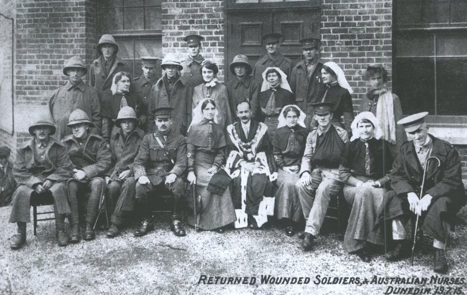 Examples of wounded soldiers who returned to Dunedin in 1915. James Harcus did not require nursing care and was referred to Outpatient treatment at Dunedin Public Hospital but he did not attend.