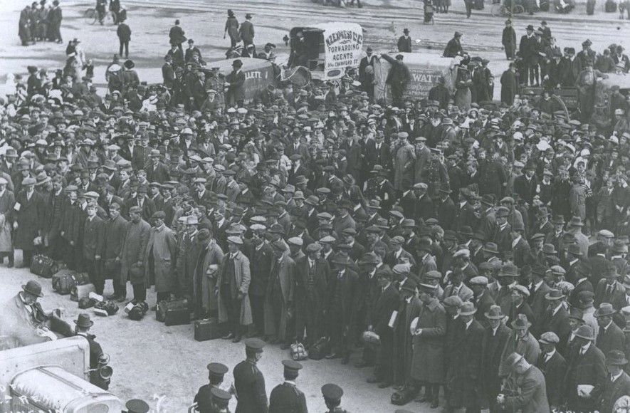 Dunedin 1916 WW1. Reinforcements were needed to join the New Zealand Expeditionary Force overseas.